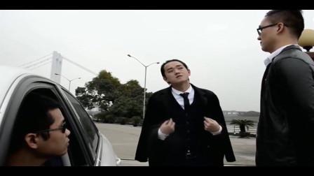 广西爆笑老表:老表你这装帅下车就能不能快点?打个滴要那么夸张吗?