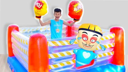 越看越精彩,小正太拳击大比拼,他能打败对手吗?儿童益智早教玩具