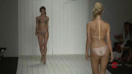 顶级超模泳装秀,美女扎的小辫子,像不像安琪拉?