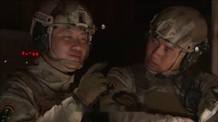 男兵要对女兵严刑拷打,谁料女兵:我肚子里有你的娃,男兵都愣了