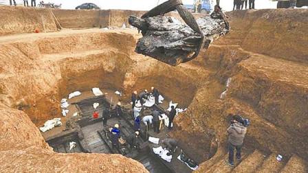 陕西一农田不长庄稼,专家:下面有宝藏,挖开发现是秦始皇祖先墓