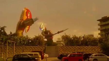 奥特曼:奥特曼把长矛当盾牌用,成功挡住怪兽的火力覆盖
