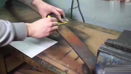 牛人发明:牛人用废弃的钢板做了这个工具,成品出来后身价翻了几十倍!