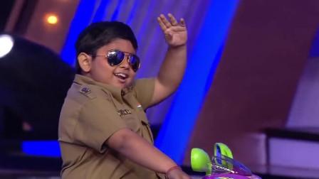 灵活的小胖子hold住全场,演绎搞笑舞蹈,印度达人秀精彩片段!