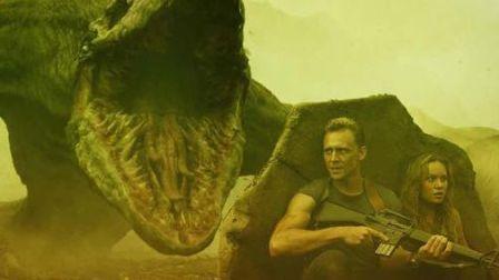 金刚骷髅岛怪兽蜥蜴太恐怖猎杀人类死伤惨重伟果果剪辑