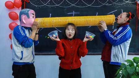 学校选福娃,老师让学生花式吃元宵,不料一个比一个奇葩