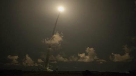 伊朗再次竖起火箭,向世界展示强大实力,终于知道美军为何认怂了