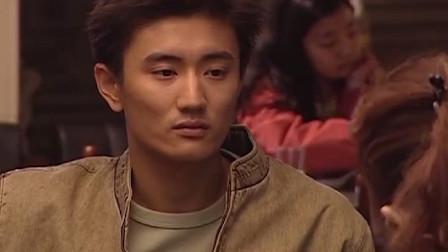 女子见宁伟身手不简单,便跟他开起玩笑,问他是不是在少林寺待过
