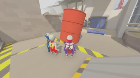 3个奥特曼发现一个大油罐,应该如何利用它?