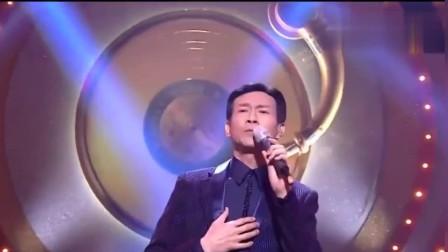 70岁郑少秋演唱《九百九十九朵玫瑰》发音字正腔圆,帅气不减当年