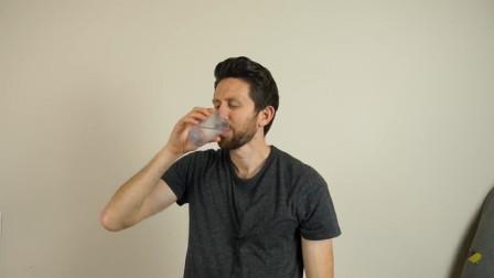 100%纯净水能喝吗?是不是越喝越口渴?到第二天舌头还有烧灼感