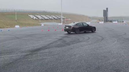 凯迪拉克全新CT5,2.0T后驱动力,一脚油门直接漂移!