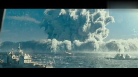 海上核弹爆炸冲击波掀起惊涛巨浪 航空母舰都没能躲过!