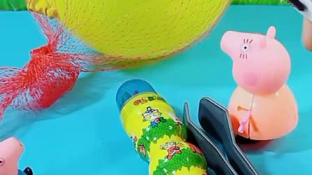 乔治的小飞机被气球怪拿走了,猪妈妈使出秘密武器,气球怪投降了!