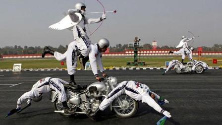 比开挂民族还牛的摩托车手,吸引大量群众围观,这车技怎么做到的