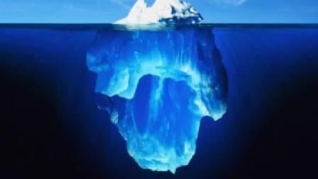 分布蓝色条纹的冰山,是如何形成的?看起来就像是大理石一样