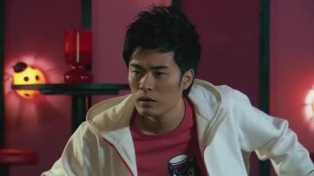 爱情公寓:曾小贤第一次进酒吧,不料胡一菲的回答太逗了!