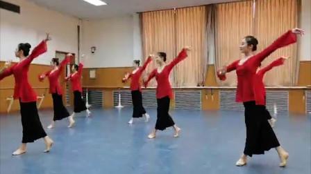 春节就宅在家看舞蹈,中国古典舞《柔美组合》,已经看了5遍!
