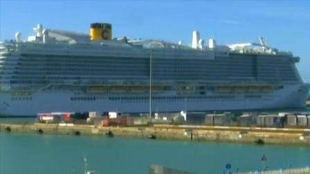 意大利邮轮上一对中国夫妇疑似感染,约7000人被禁上岸