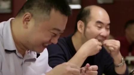 美食:广东人吃乳鸽十分讲究,甚至可以用挑剔来形容