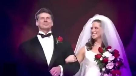 WWE:大公主斯蒂芬妮·麦克曼成长过程,从窈窕淑女到蛮横霸道女总裁