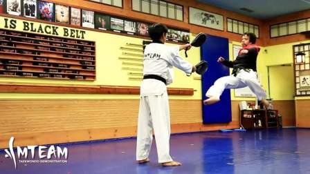 跆拳道各种炫酷腿法,空中360、 540、 600、 720度踢击!