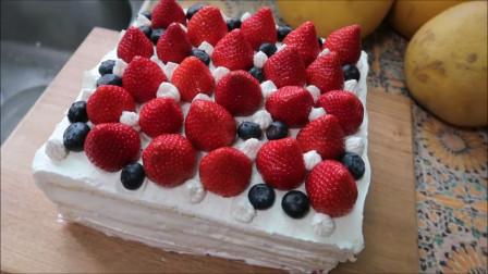 两分钟教会你如何在家自制草莓奶油蛋糕,足不出户依旧满足甜品梦!