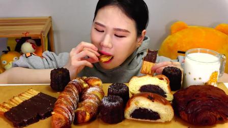 韩国大胃王卡妹,吃各种面包甜点,大口吃得太过瘾了