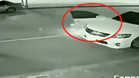 男子下车就被死神接走了,回放监控看到了真相画面