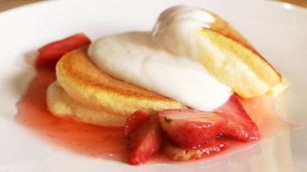 只用鸡蛋就可以做的下午茶,Q弹松软的舒芙蕾松饼