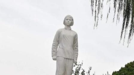 参观刘胡兰纪念馆