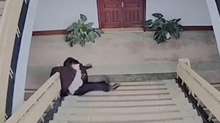 民警连续加班晕倒楼梯间 住院两天后带着被褥再上岗