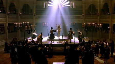 王者之舞 :大臣找到男子,并告诉他国王不喜欢意大利的东西