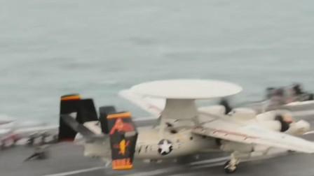 美军E2预警机F18夜晚在航空母舰上起降
