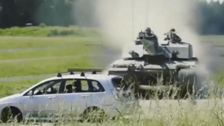 63吨重型坦克碾压小汽车,小汽车瞬间被拍扁