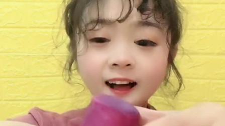 萌姐试吃:小猪佩奇棒棒糖,果冻巧克力,彩色糖果,奶油蛋糕第6期