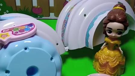 白雪公主的生日到了,贝儿要送给她一个礼物,小朋友们知道贝儿送给白雪的什么礼物吗?