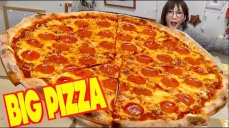 [吃]巨型意大利辣香肠比萨饼1孔!很好吃,但是咪咪变得更难了。【1】