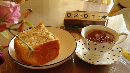 宅在家的时候,主食更换着吃,今天做一个全麦吐司,好吃又健康