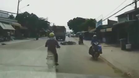 行车记录仪:世界之大真是无巧不成书啊,电动车男子被撞身亡