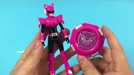 玩具拆箱 试玩最强战士迷你特工队的露西战士