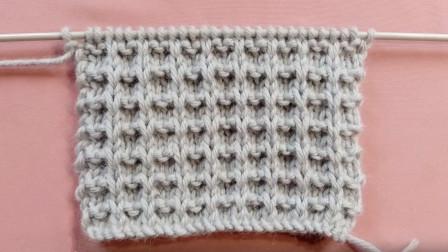 很中性的一款棒针花样,男女款毛衣都可使用,格纹针编织教程