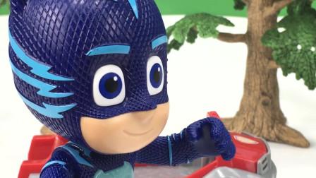 奥特曼儿童玩具,奥特曼睡衣小英雄打恐龙,恐龙变儿童奇趣蛋
