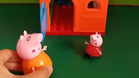 佩奇一个人在家僵尸想骗她开门聪明的佩奇会上当吗