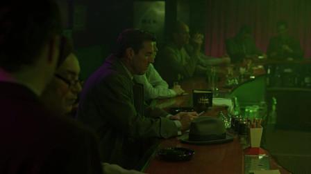 远离天堂:下班后的丈夫没有回家,而是自己来到了酒吧