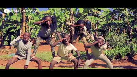 这群非洲孩子光脚跳的舞蹈,胜过了大部分国内儿童舞蹈培训机构!