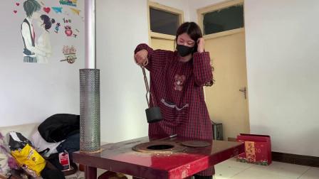 东北女孩远嫁河南农村,自嘲从女神变村姑,给炉子换煤球都熟练了