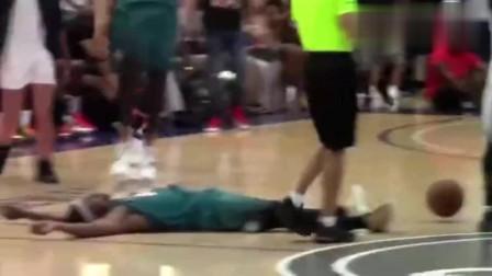 篮球史上最搞笑假摔!延迟3秒倒地装晕可还行