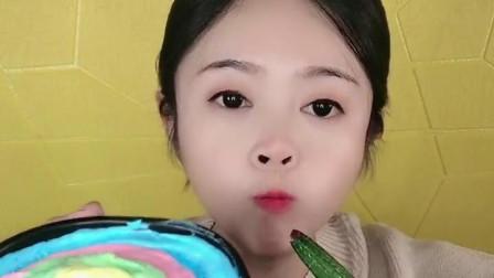 萌姐试吃:小猪佩奇棒棒糖,果冻巧克力,彩色糖果,奶油蛋糕第166期
