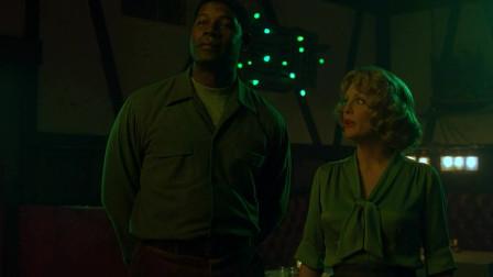 远离天堂:雷蒙先生带着威特克太太,来到了黑人酒吧